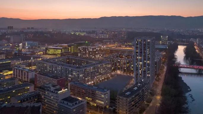 Le retour à la normale, le droit à la ville et ses contradictions: L'exemple de la Caserne des Vernets à Genève